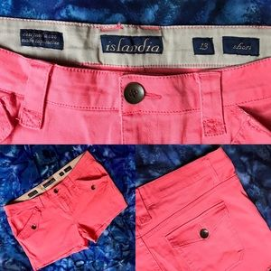 Islandia salmon pink shorts. Brand New! 💕